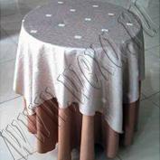 Скатерти, салфетки, чехлы на стулья для Вашего праздника, банкета