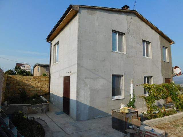 Продается дом в Севастополе с панорамным видом на горы.